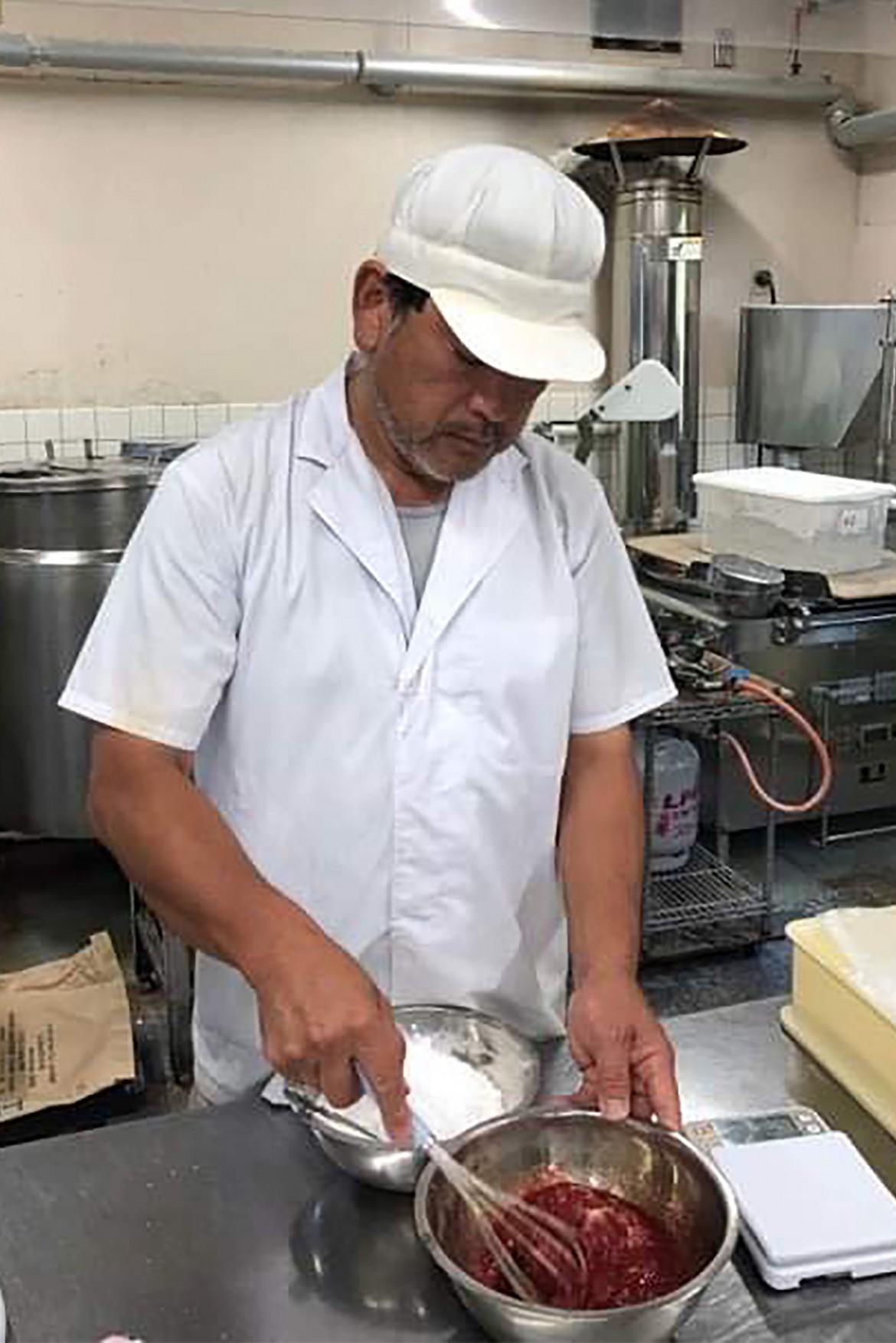 神戸で華めくわがまち老舗プロジェクトサイト:満月堂店主の写真02