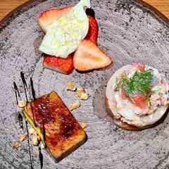 兵庫県産イチゴとブラータチーズのカプレーゼ