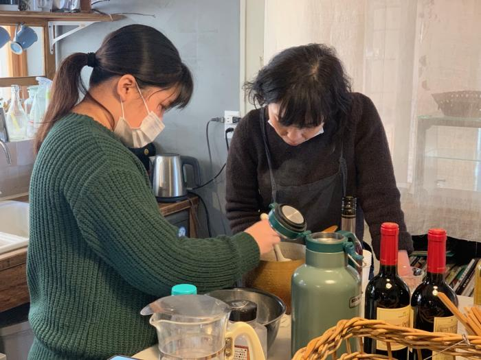 「ノーギョ・ギョギョ・ギョギョーラボラトリーズ」参加大学生が考案した「神戸いちじくチャツネ」販売会を開催します-2