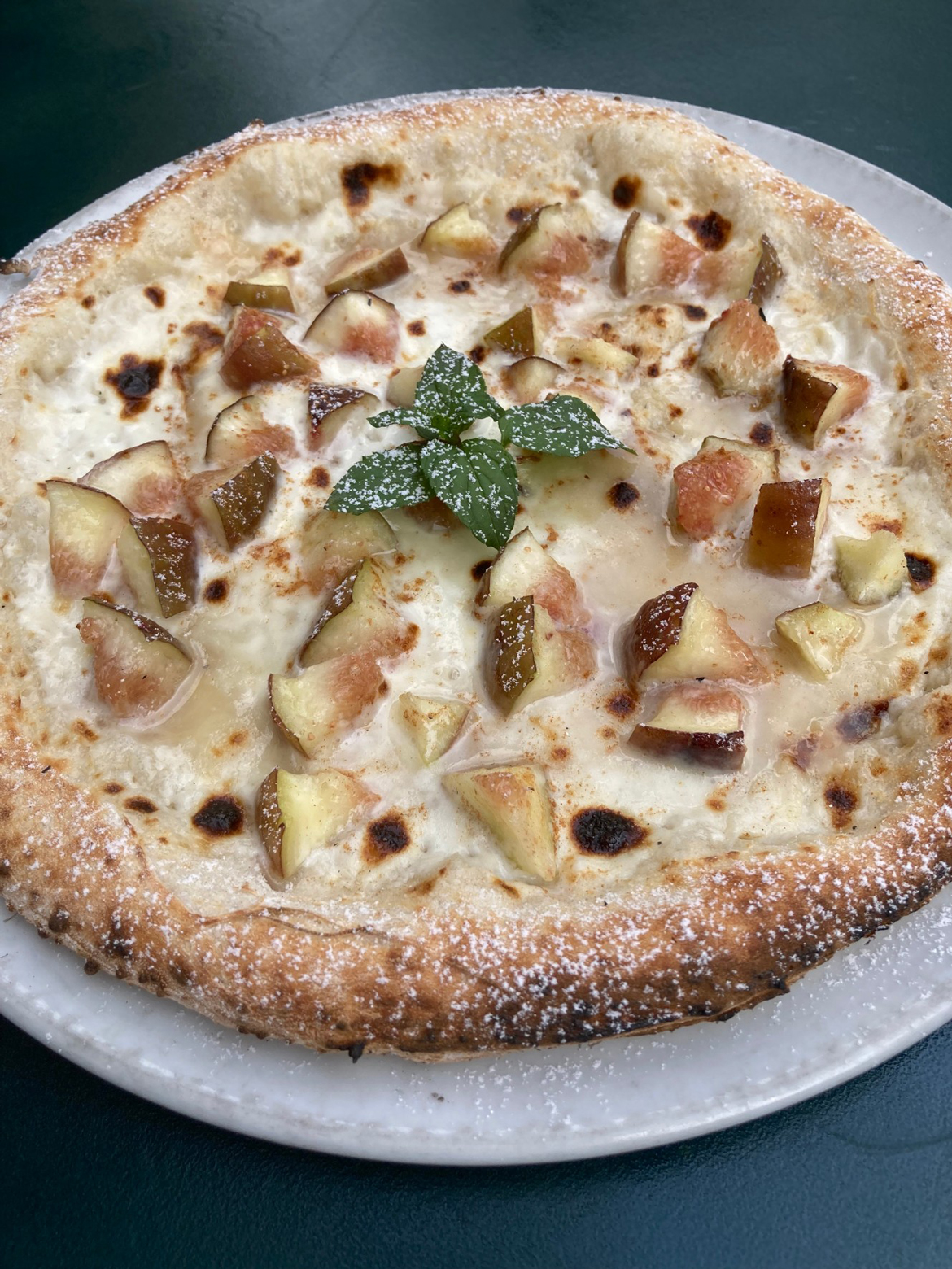 西区産 イチジクとマスカルポーネチーズのピッツァ(デザートピッツァ)
