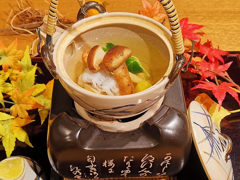 神戸産鱧と松茸の土瓶蒸し(単品提供は無し)